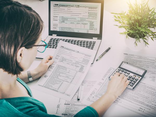 Woman, Tax, Tax Return, HMRC, Calculator
